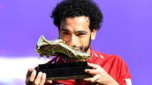 محمد صلاح يتسلم جائزة الحذاء الذهبى