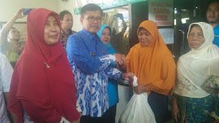 Lindungi Masyarakat  Dari kenaikan harga TPID Kota Cirebon gelar Pasar Murah