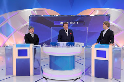 O apresentador com Alexandre Porpetone e Vinícius Vieira  (Foto: Lourival Ribeiro)