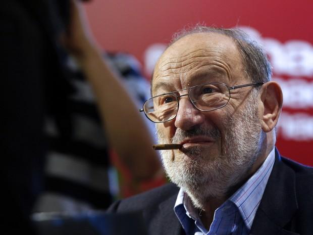 """Itália se despede de Umberto Eco - autor do livro """"O Nome da Rosa""""."""