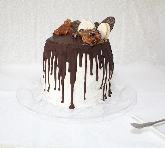 IMG 0885 - עוגת שכבות מיץ קציפת שקדים פרלינה ומוס שוקולד