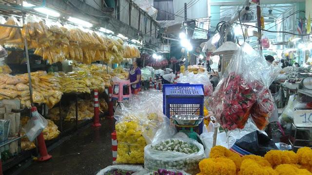 Mercado de las flores - Bolsas de flores preparadas para los compradores