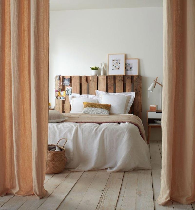 Rivoluziona la camera da letto con comodini e testiere fuori dal comune blog di arredamento e - Testiera letto fai da te cuscini ...