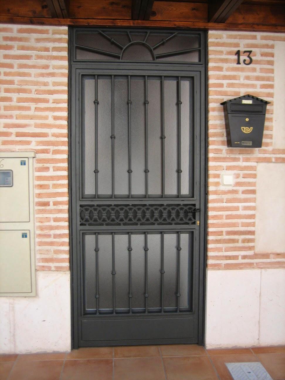 Forja y hierro carpinter a met lica lozano for Puertas dobles de hierro antiguas