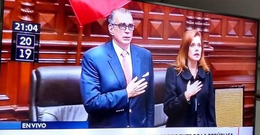 Congreso disuelto juramenta como nueva Presidenta del Perú a Mercedes Rosalba Aráoz Fernández [VIDEO]