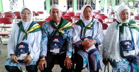 Bertaubat, Suwito Naik Haji Bersama Tiga Istri Sekaligus