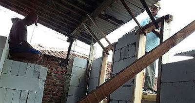 Dinding Rumah Anyaman Bambu Itu Akan Berubah Tembok