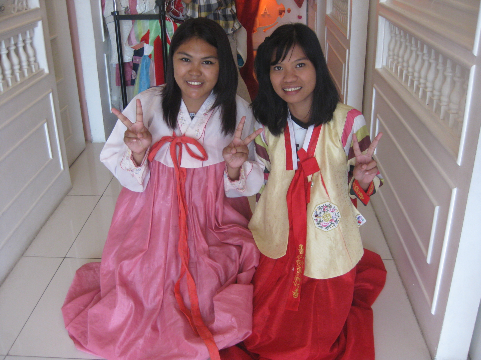 Let's Wear Hanbok at Cafe Tiala | vanessasabroso.com