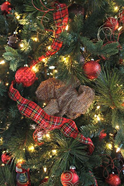 Using decorative mesh in tree