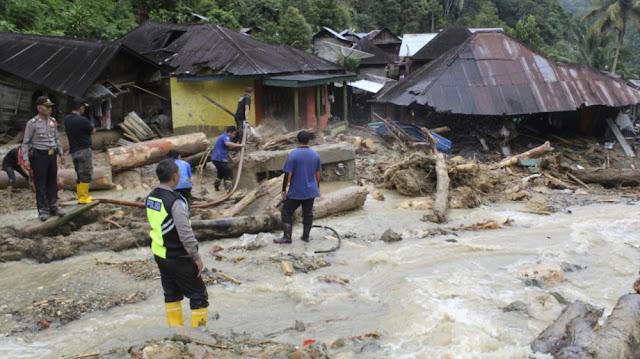 Banjir Bandang di Mandailing Natal