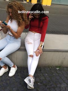 chicas-lindas-captadas-lugares-publicos
