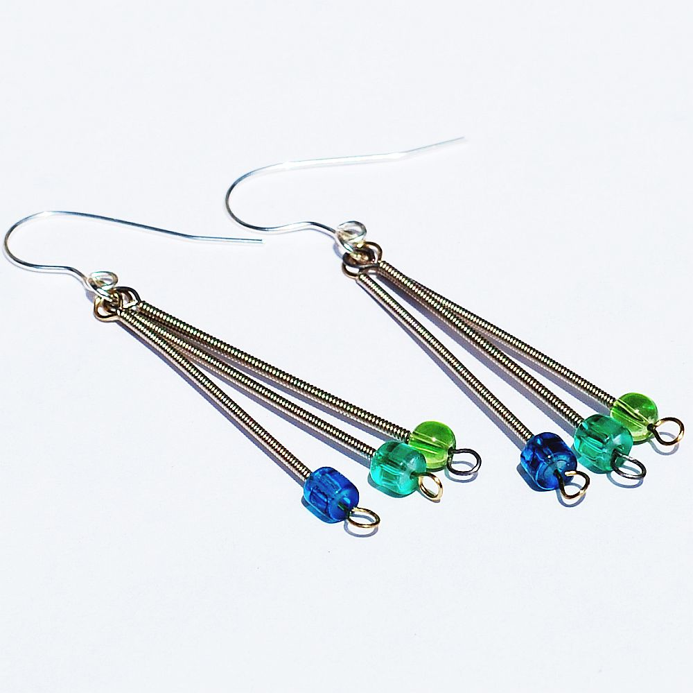guitar string jewelry by tanith rohe guitar string jewelry aqua earrings. Black Bedroom Furniture Sets. Home Design Ideas