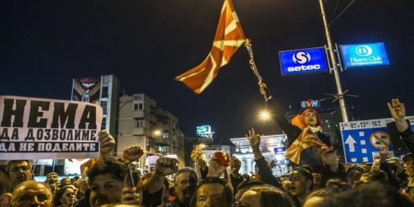 """Εννέα αλήθειες για τα Σκόπια: Τι θα φέρει η σύγκρουση των Αλβανών και των """"Μακεδόνων"""""""