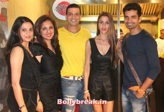 Smita Bansal, Munisha Khatwani, Rohit Narang, Shilpa Saklani and Vishal Singh, Stir Crazy Restaurant Launch