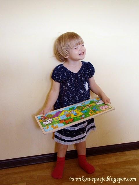 http://iwonkowepasje.blogspot.com/2014/07/dress-for-little-princess-tutorial.html