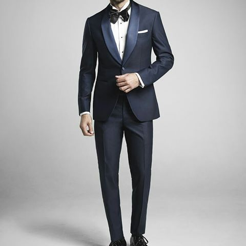 At The Bespoke Corner Tailors we pride ourselves as being makers of impeccable made to measure suits for Sydney and Melbourne men of distinction, and concur with the sentiment that a gentleman's confidence and sense of self is irrevocably linked with the garments he adorns himself with.