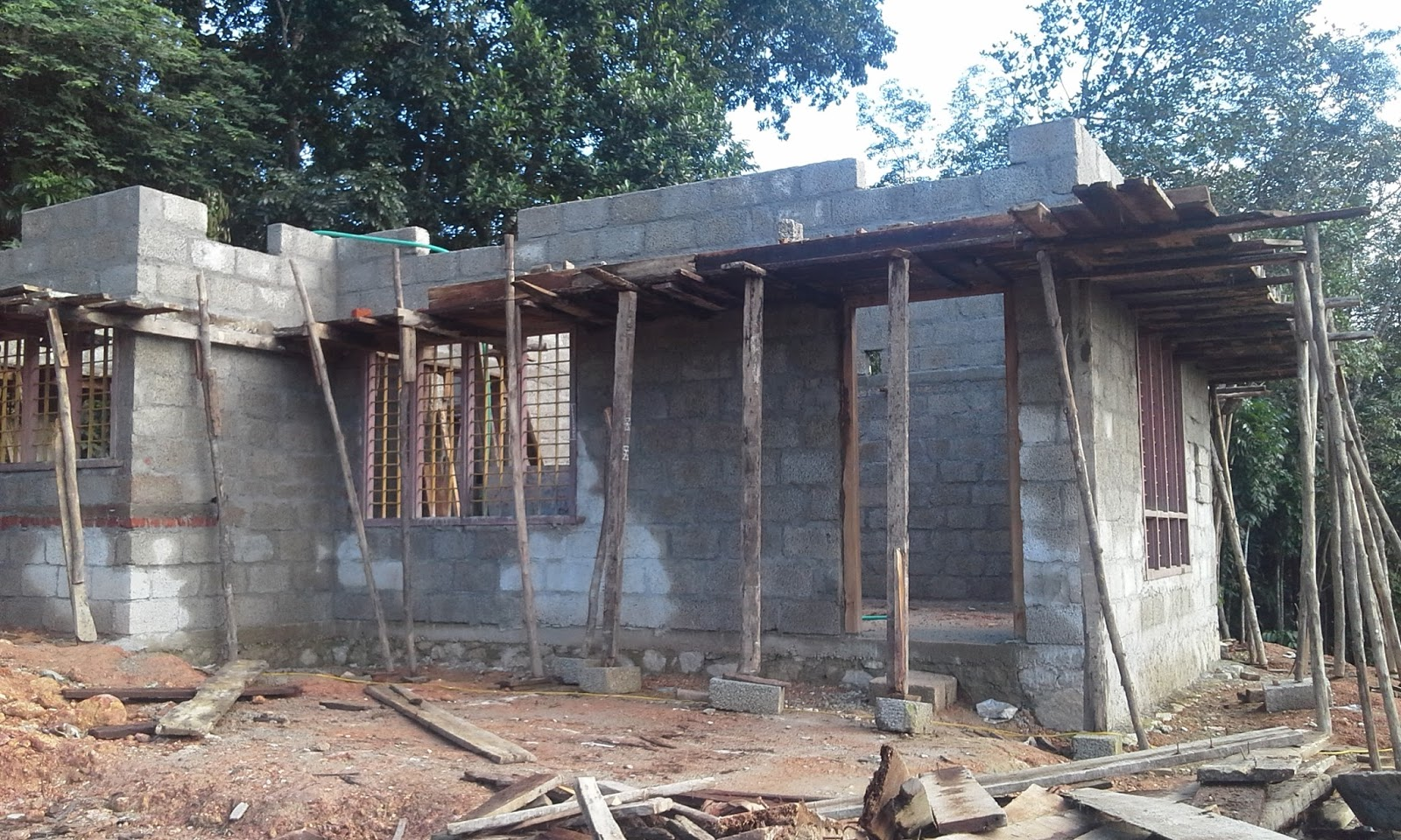 Kerala house construction tips 6 wall above lintel for Home building advice