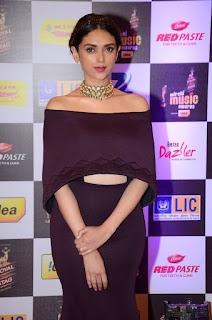 Aditi Rao Hydari  turn in Designer Black Brown Dress at Mirchi Music Awards 2016