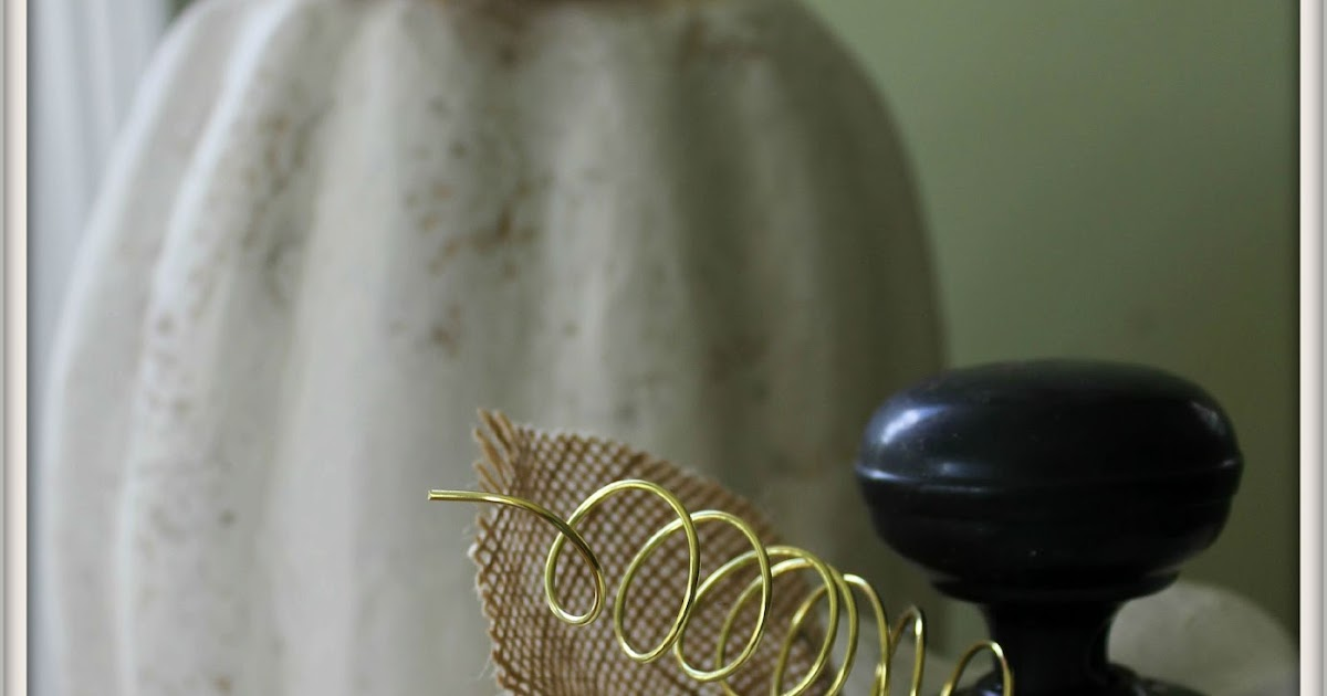 Ramblings of a Southern Girl: Vintage Doorknob Pumpkins