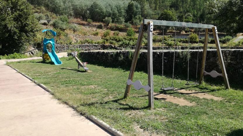 Parque Infantil Praia Fluvial de Lavacolhos