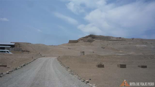 Carretera en Zona Arqueologica Pachacamac