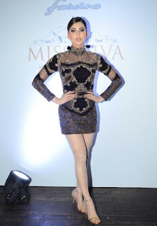 Urvashi Rautela in Black Designer Mini-dress at Miss Diva 2016 Final