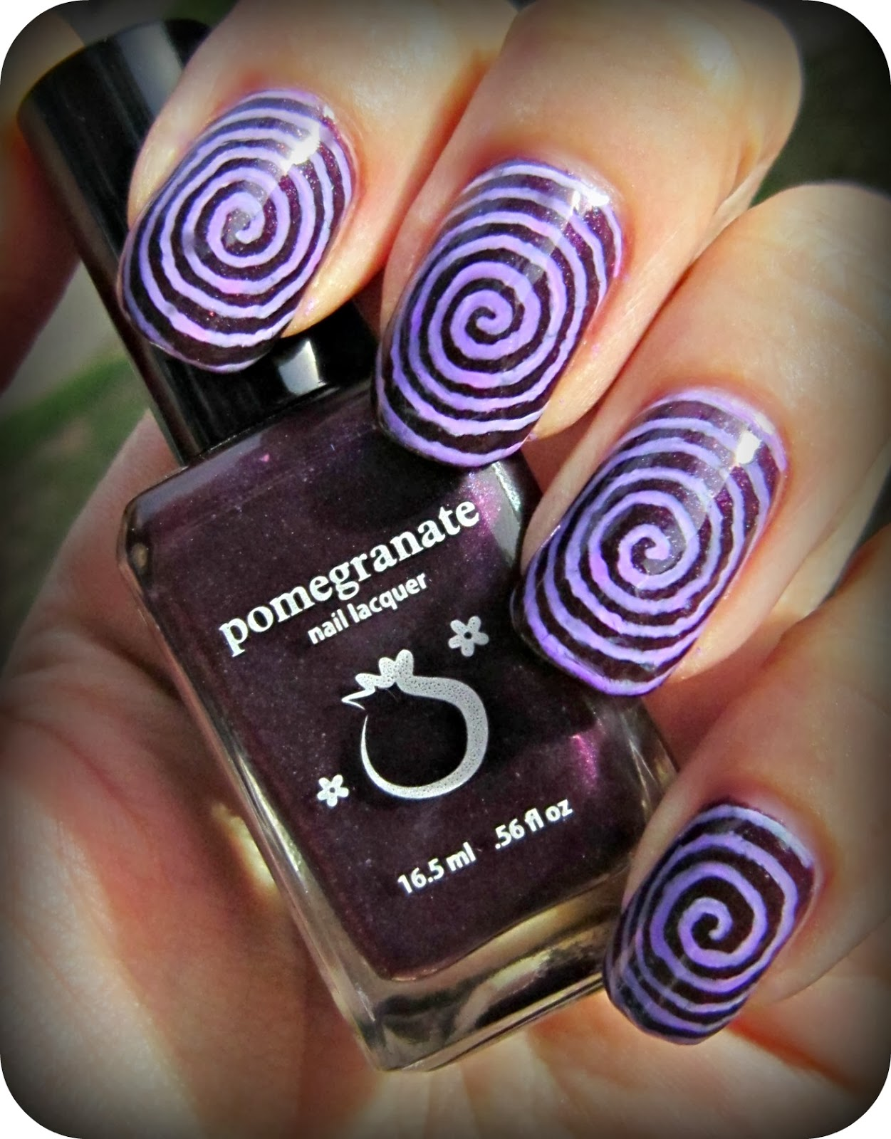 Halloween Nails: Concrete And Nail Polish: Halloween Spiral Nail Art