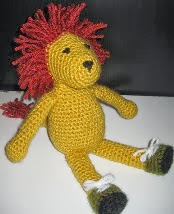 http://hotoffthesheep.files.wordpress.com/2010/08/crochet-lion-pattern.pdf