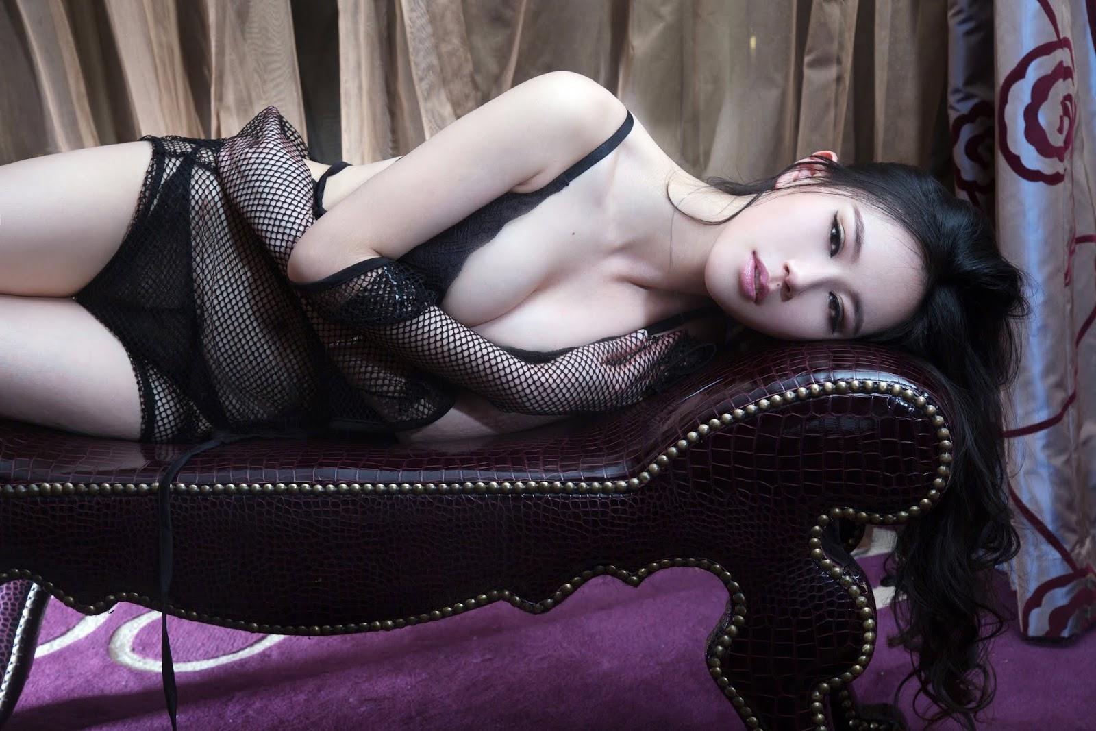 7 - Sexy Nude Model TUIGIRL NO.9