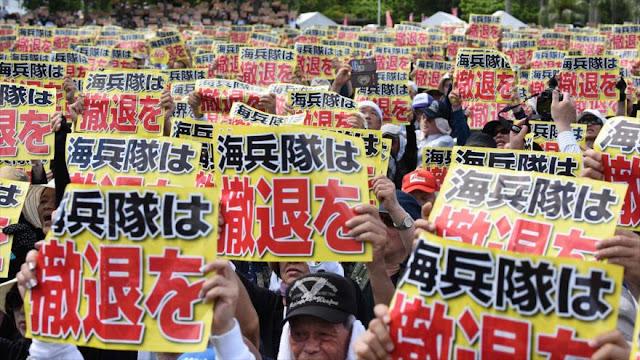 Decenas de miles de japoneses protestan contra presencia militar de EEUU