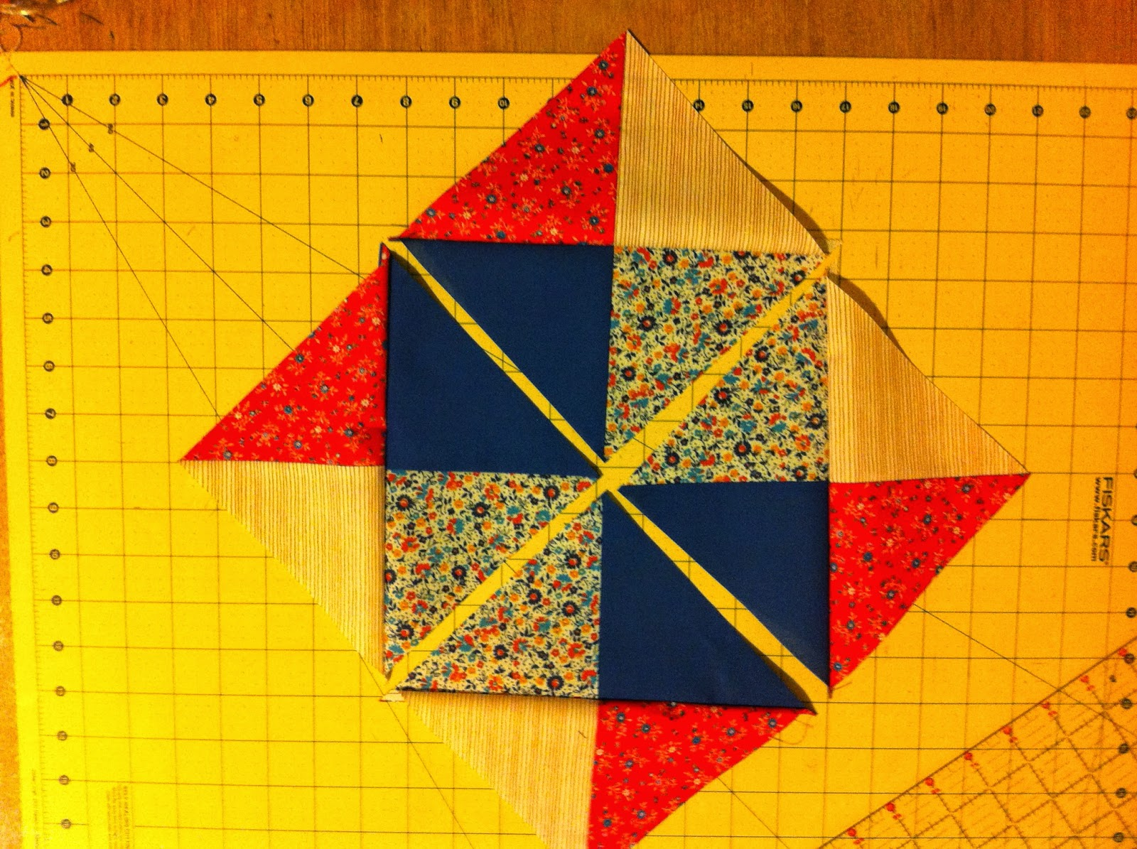 Quilt Patterns Quarter Square Triangles : Sew Preeti Quilts: Quarter Square Triangles (QSTs) Revolutionized