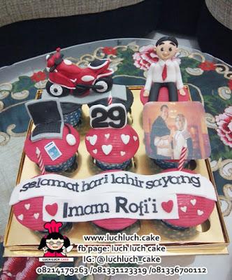 Cupcake isi 9 Tema Motor Untuk Ayah