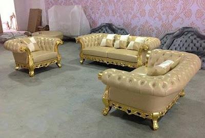 sofa kulit untuk ruang tamu