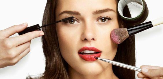 Tips Cara Memilih Make Up Untuk Wajah Berminyak