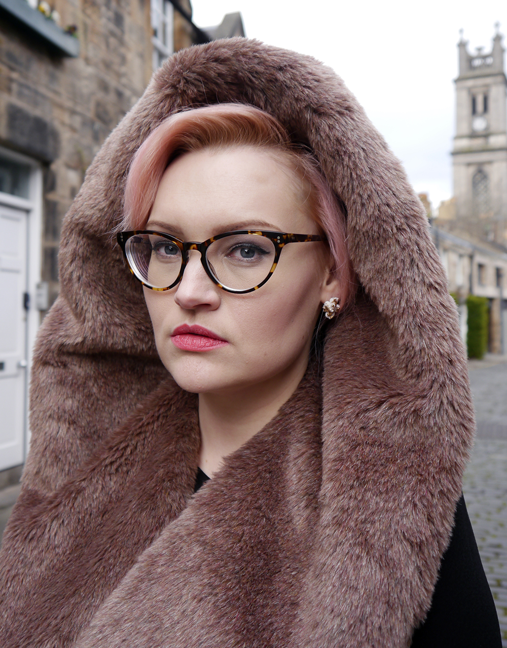 limited edition Chouchou Hollywood hood, #HOODSTYLIN, #HOODGIRLS, Dione Bowlt ceramic earrings, Stockbridge best streets, Edinburgh street style, natural light blog photography, candyfloss hair DIY,