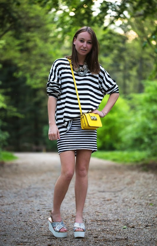 Just daily things: Mixing stripes, glitter & pop of color