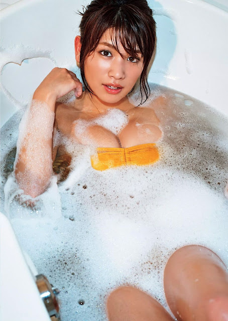 Hisamatsu Ikumi 久松郁実 Weekly Playboy No 5 2016 Pics 06