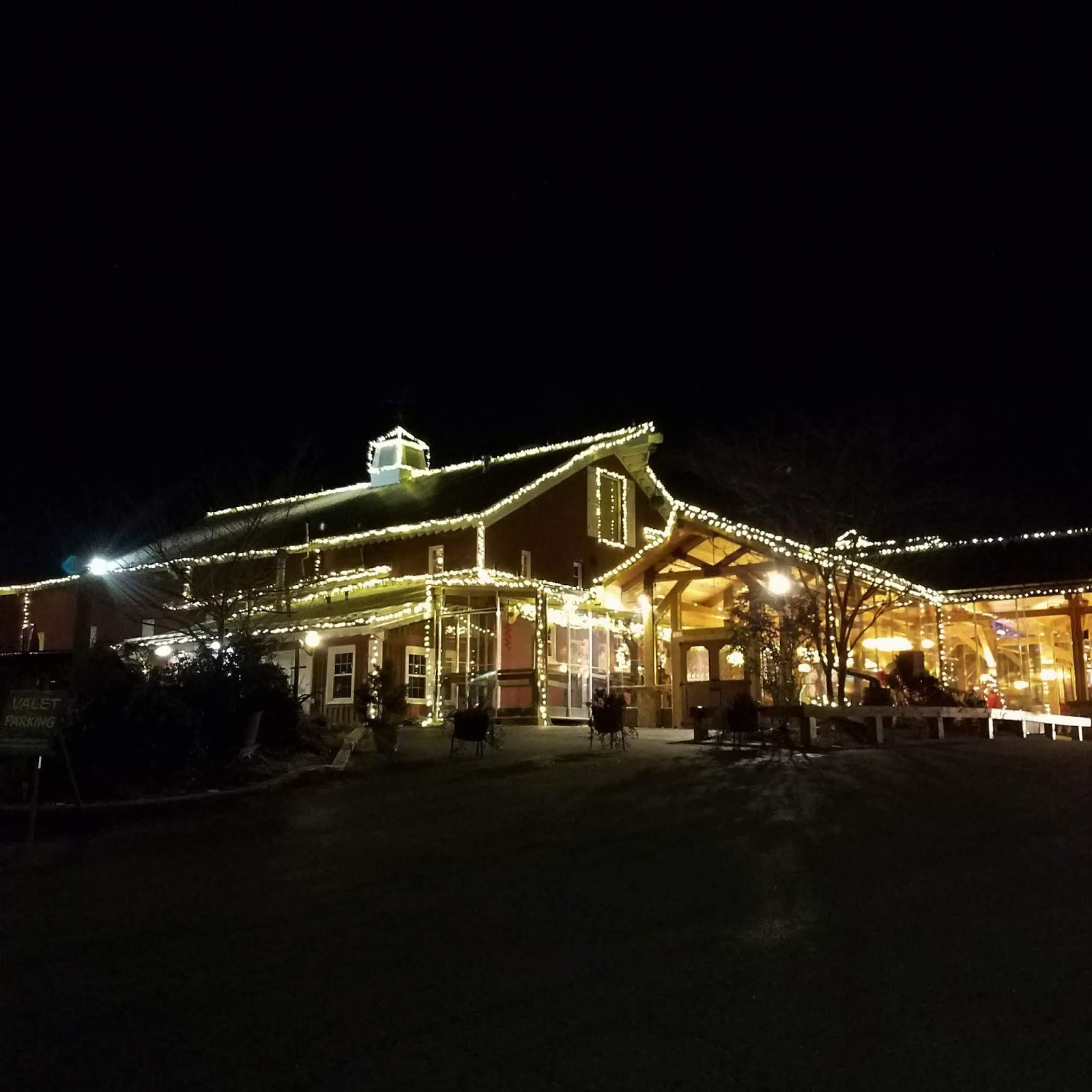 Hines Sight Blog Holidays In Raleigh Nc The Iconic Angus Barn Is