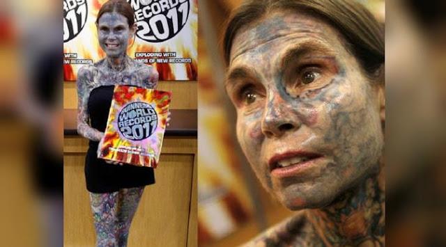 Julia Gnuse dikenal sebagai wanita dengan bagian tubuh yang dipenuhi gambar ( Tatto )
