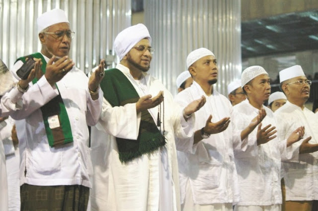 MasyaAllah, Keajaiban Mahalul Qiyam, Nabi Juga Ikut Bersholawat Tapi Tak Terlihat