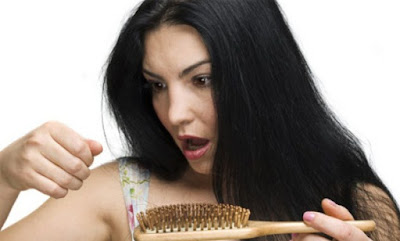 14 Penyebab Rambut Rontok yang Wajib Kita Ketahui
