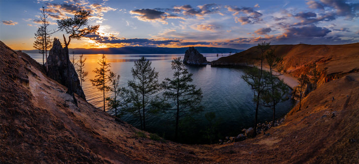 The 10 Most Amazing Watery Wonders Around The World - Lake Baikal (Russia)