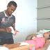 Homem abandona emprego para cuidar de esposa que sofre com crises epiléticas