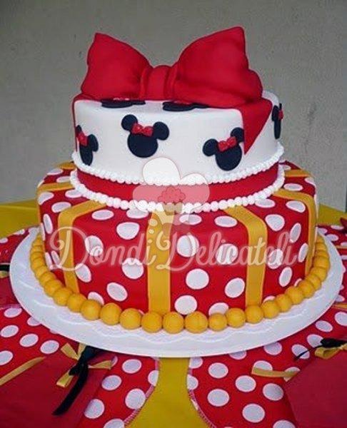 Bolos decorados Minnie Mouse para festa infantil