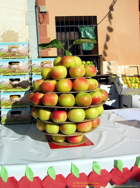 iv-feria-manzana-esperiega-torrebaja-2016