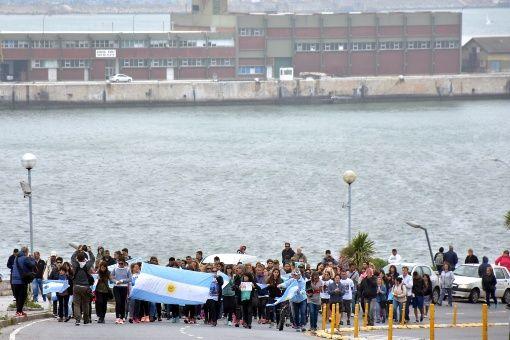 Familiares de marinos piden continuar búsqueda del ARA San Juan