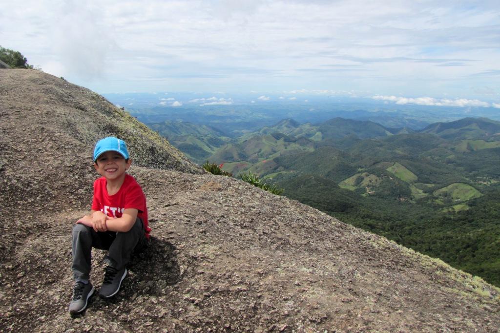 topo da Pedra do Bauzinho em São Bento do Sapucaí