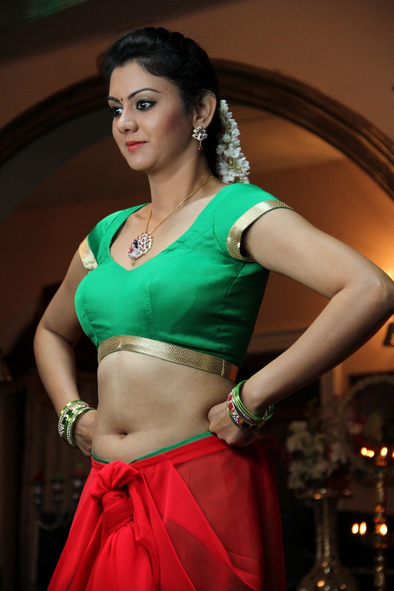 Top 25 Sexy Images Of Hot Naval Show Of KAMNA JETHMALANI | Yup Tamilan