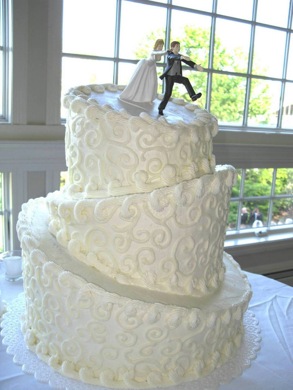 When You Are Choosing Topsy Turvy Wedding Cakes The Thing That Must Consider First Is Composition Of Cake Itself