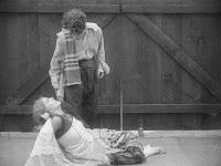 "Кадр из фильма Чарли Чаплина ""Пародия на Кармен"" / Burlesque on Carmen (1916) - 26"